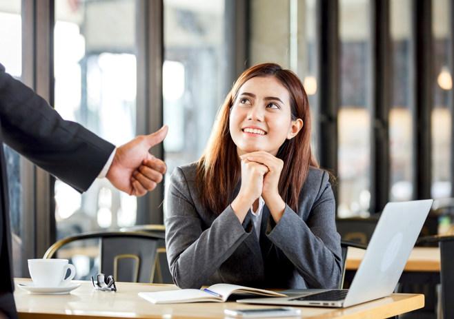 recognise employee achievements